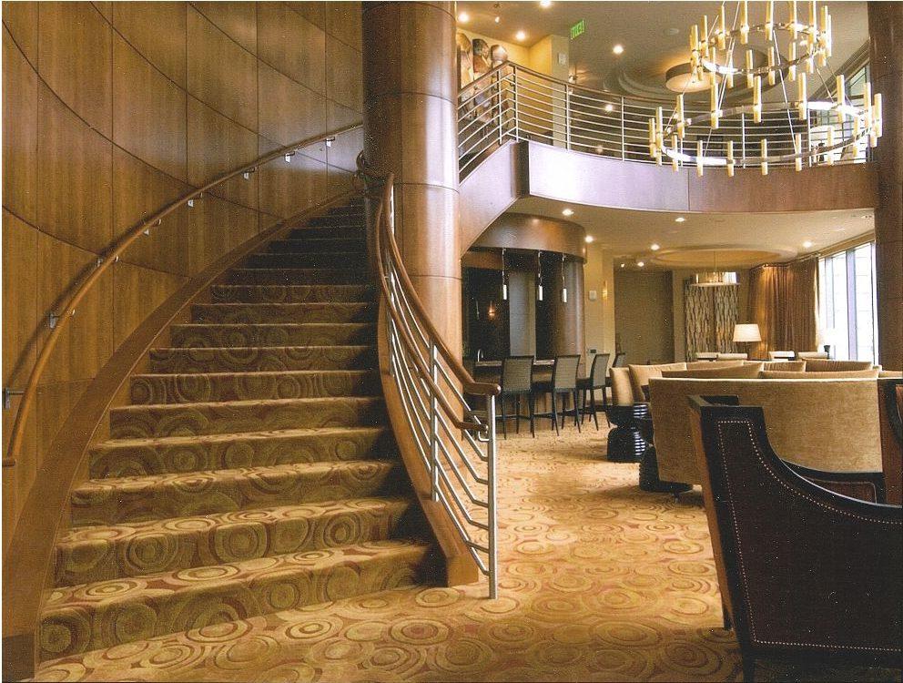 Curved-Handrail-Wood-Column